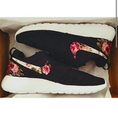 shoes,sneakers,roshe runs,low top sneakers,black sneakers,nike,nike shoes,nike roshe run black floral,nike roshe run floral,floral nike roshe,nike roshe run