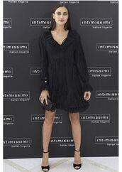 dress,little black dress,black dress,irina shayk,model off-duty,sandals