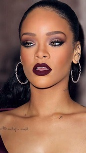 make-up,rihanna,rihanna lipstick,lips,lipstick,purple lipstick,face makeup,beautiful,dark lipstick,red eyeshadow,red lipstick,blush,jewels,silver earrings,rihanna earrings,earrings,hoop earrings,silver,silver jewelry,burgundy