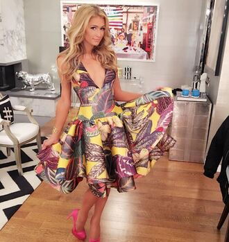 dress printed dress paris hilton pumps instagram plunge dress