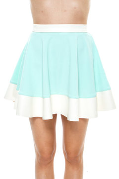 Mint skirt/sweater on the hunt