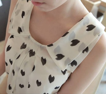 2013 spring and summer chiffon sleeveless vest white and black chiffon female heart vest shirt-inTops & Tees from Apparel & Accessories on Aliexpress.com