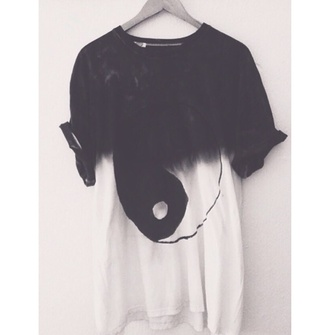 white t-shirt dip dyed ombre black dip dye tie-dye yin yang yin yang tshirt