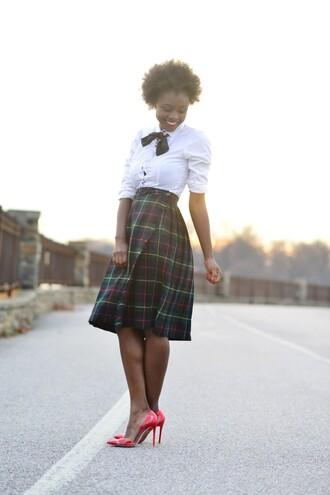 skinny hipster blogger plaid skirt white shirt midi skirt red heels