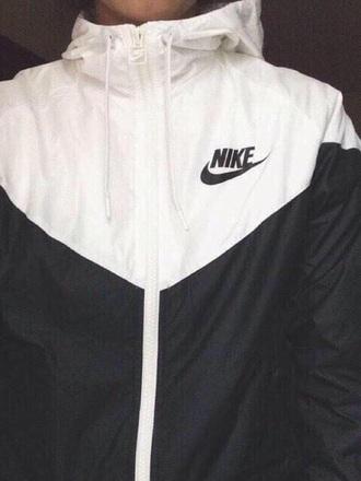 jacket nike black white athletic vintage coat two colored striped jacket stripd girls black&white