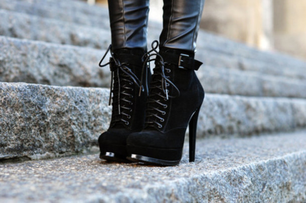 shoes black black boots black ankle boots winter outfits boots ankle boots tumblr heel boots high heels lace up heel boots strappy heels platform lace up boots high heels boots lace up boots