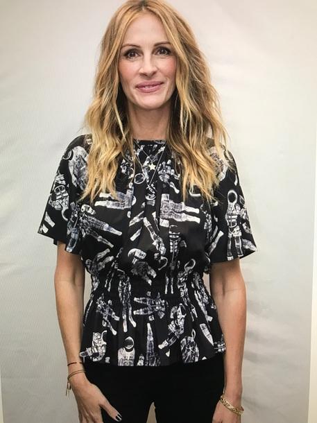 blouse black julia roberts astronauts