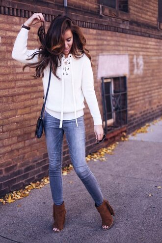 lindseykate blogger sweater jeans shoes jewels bag lace up jumper white sweater fall outfits shoulder bag ankle boots peep toe boots