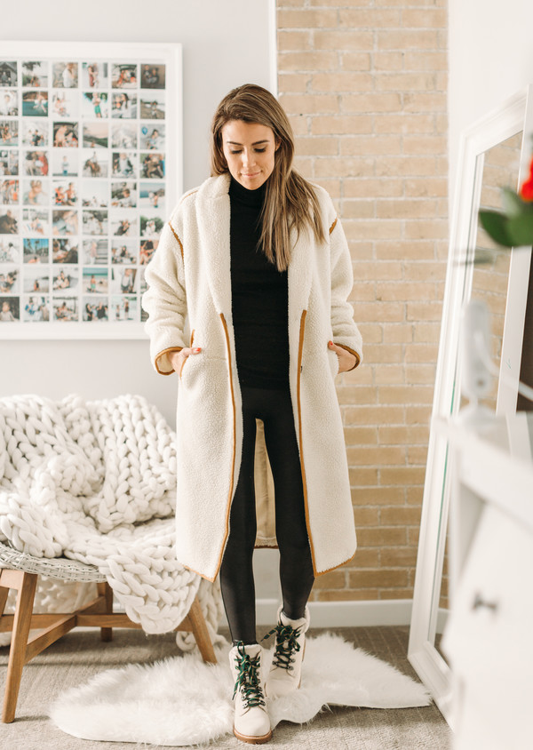 hello fashion blogger coat leggings shoes winter outfits winter coat winter boots