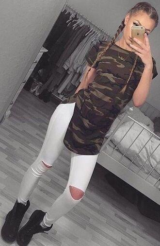 pants camouflage white pants ripped pants timberlands hair white camo shirt pretty beautiful make-up selfie shirt shoes