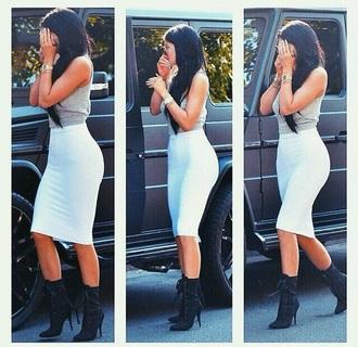 dress skirt kylie jenner bodycon skirt shoes kylie jenner skirt blouse gray tank top white skirt bodycon
