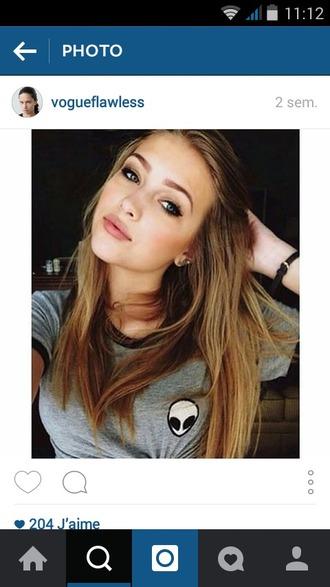 top grey t-shirt