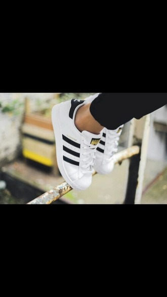 shoes adidas superstar blanc adidas adidas shoes white black and white adidas superstars