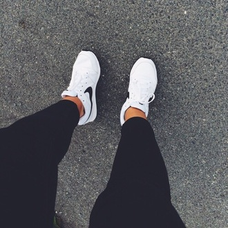 shoes white black black and white kicks nike nike shoes nike running running running shoes fitness fits