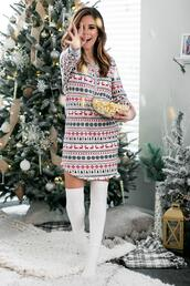 thedaintydarling,blogger,shirt,sweater,socks,pajamas