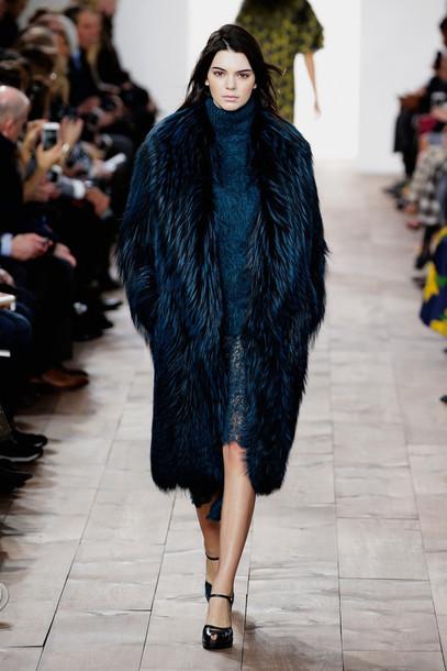 coat fur kendall jenner fur coat fashion week 2015