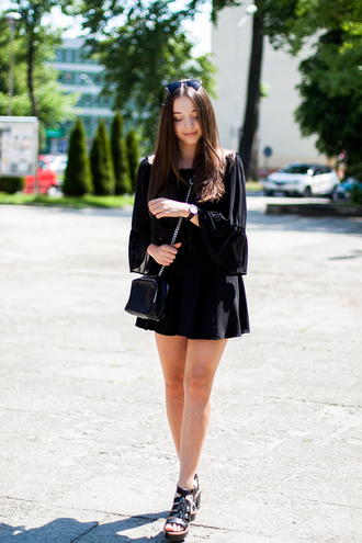 kolorowa dusza blogger bag shoes black dress long sleeves long sleeve dress mini dress black bag wedges black romper sunglasses summer outfits