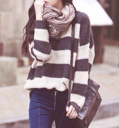 sweater,oversized sweater,stripes,jeans,infinity scarf,scarf,eternity scarf,gossip girl,new york city,upper east side,serena van der woodsen,blair waldorf,bag,black,cute,grey,cozy,cozy sweater,striped sweater,black and white,cardigan,noir et blanc,pullover