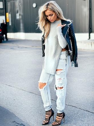 knits fall outfits kintwear sweater grey boyfriend jeans ripped jeans blouse jeans jacket