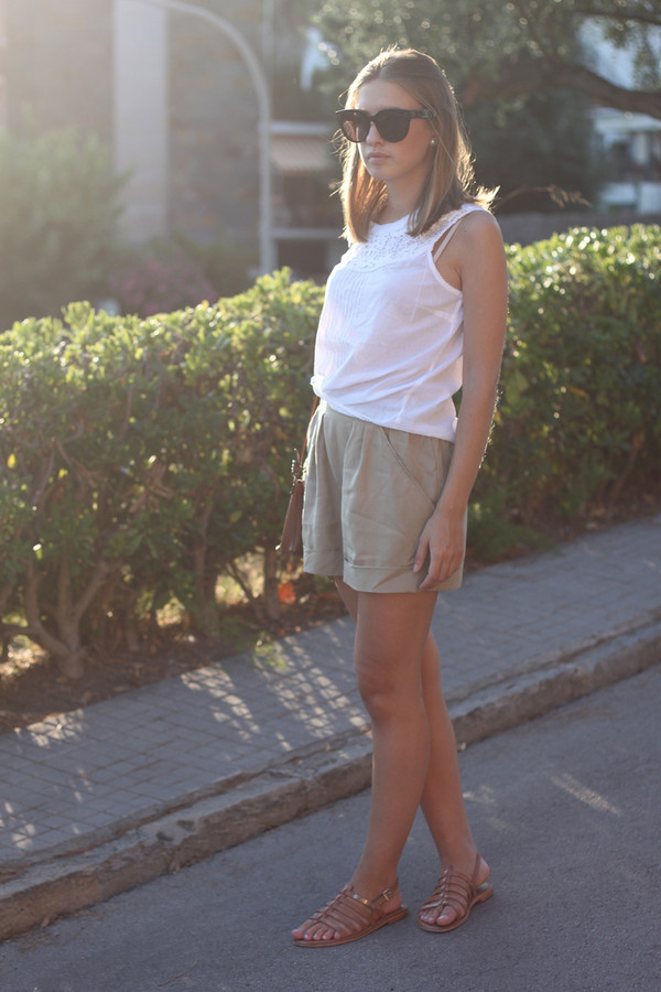 say queen blouse shorts sunglasses bag shoes
