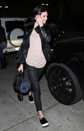 jacket pants kendall jenner fall outfits streetstyle bag jewels flats keychain cropped pants