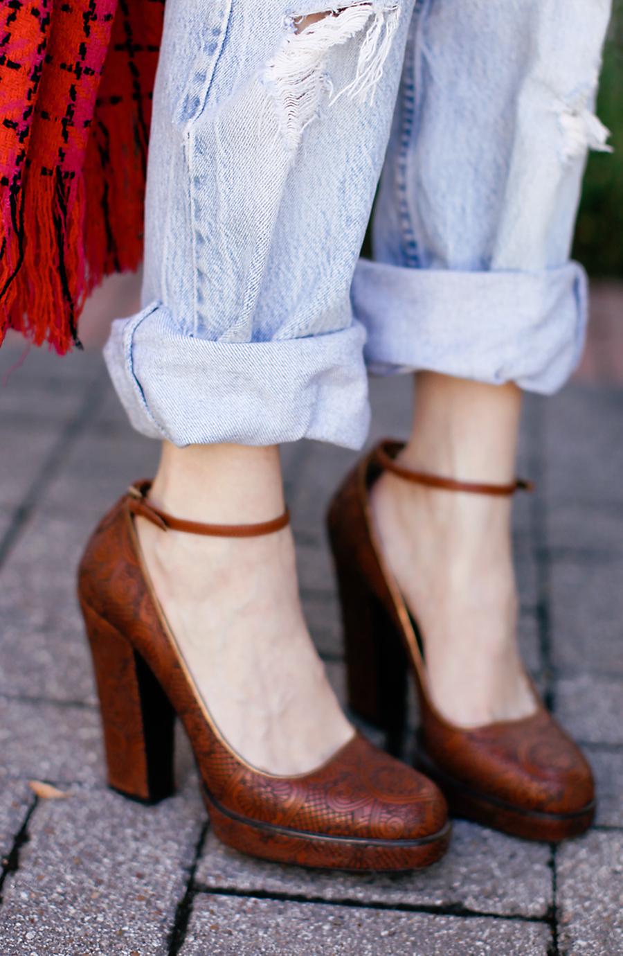 VINTAGE LOUIS FERAUD - Sea of Shoes
