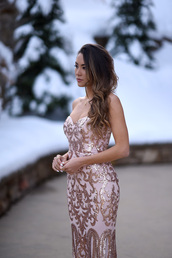 dress,tumblr,tube dress,party dress,cocktail dress,maxi dress,sequins,sequin dress,gold sequins,necklace,bustier dress,home dress,embroidered dress,bustier prom dress,wavy hair