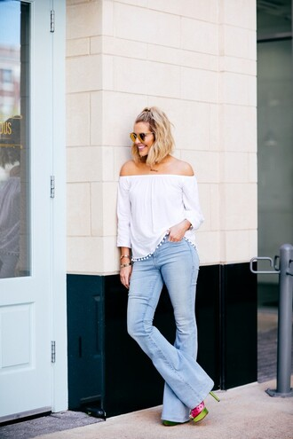 the courtney kerr blogger top jeans shoes sunglasses jewels