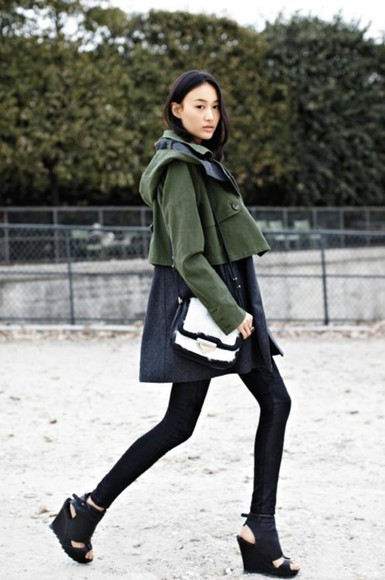 high heels black heels coat black coat black trench trench coat kaki green black and green green black kaki coart kaki coat black and kaki coat black kaki trench pieces shoes wedges black wedges