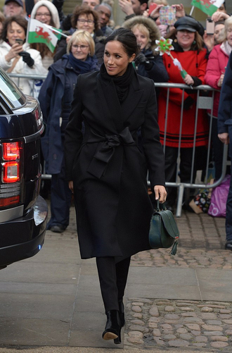 coat all black everything pants fall outfits meghan markle