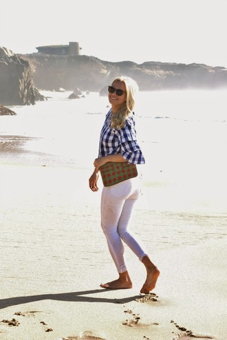 b soup blogger gingham white pants beach summer holidays