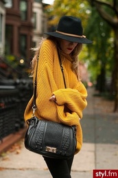 oversized turtleneck sweater,heavy knit jumper,chunky knit,sweater,oversized sweater,yellow,belt,bag,hat,mustard sweater,mustard,yellow sweater,black,leather,purse,crossbody bag,leather bag,black bag