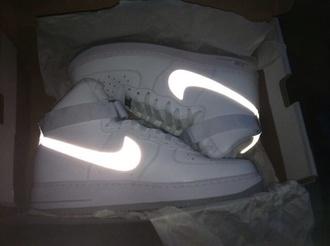shoes nike glow grunge pale dark pale tumblr white white shoes
