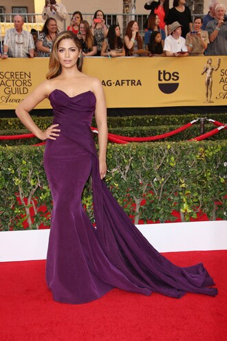 dress sag awards gown strapless camila alves