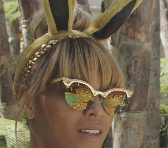 beyonce sunglasses gold