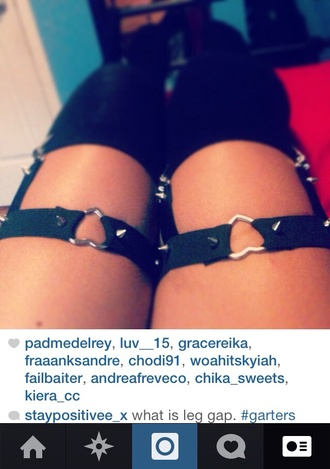 belt garter studded heart