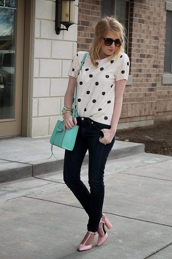 fashion flirtation t-shirt jeans shoes bag jewels sunglasses