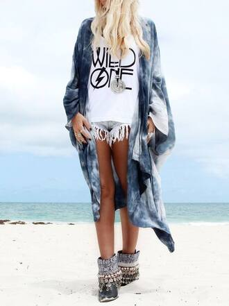 shoes cardigan gypsy ocean beach summer fashion fashion inspo kimono tie dye blue white style tan boots hippie shirt