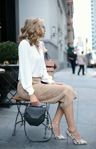 the classy cubicle blogger white blouse beige skirt suede skirt midi skirt snake shoes heels shoulder bag spring outfits