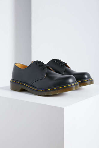 shoes boots black black boots grunge tumblr drmartens oxfords