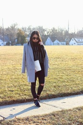 looks by lau,blogger,striped sweater,ripped jeans,grey coat,coat,sweater,jeans,shoes,bag,striped turtleneck sweater,skinny jeans,black skinny jeans,black ripped jeans,pouch