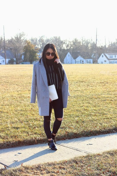 looks by lau blogger striped sweater ripped jeans grey coat coat sweater jeans shoes bag striped turtleneck sweater skinny jeans black skinny jeans black ripped jeans pouch