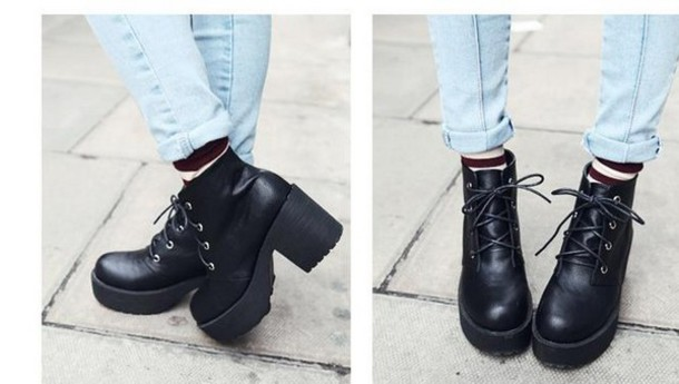 shoes platform shoes lace black dress black shoes black grunge flat platform lace up boots plaid winter sweater winter outfits socks grunge urban girly