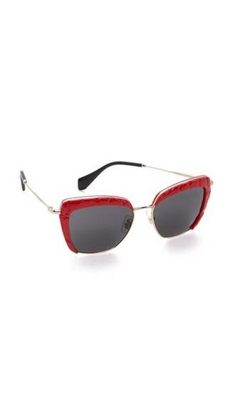 dark sunglasses grey red