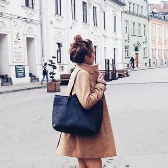 bag black coat coat beige dress beautiful vintage style beige coat beige noir athletic girly wishlist fur coat school bag back to school