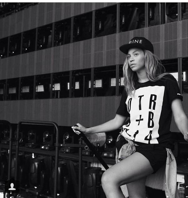 t-shirt beyonce tshirt beyonce hat black and white urban surfboard tshirt