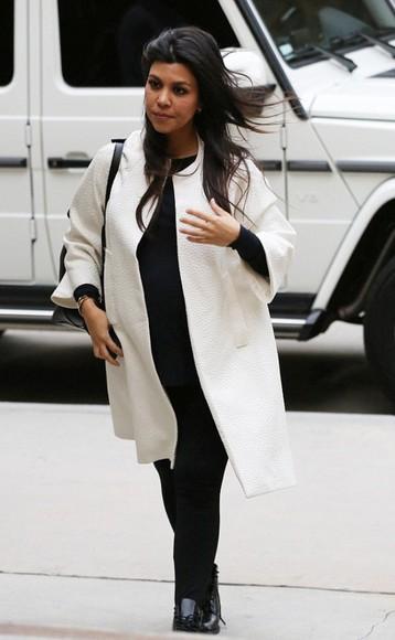 kourtney kardashian white coat fall outfits streetstyle