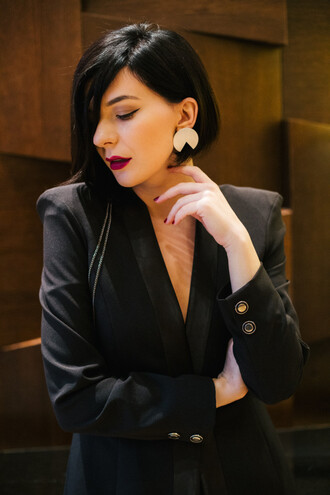 jewels tumblr black blazer blazer classy gold earrings statement earrings earrings lipstick dark lipstick purple lipstick hairstyles brunette short hair make-up