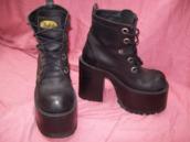 shoes,grunge,boots,goth,rock,soft grunge,punk,combat boots
