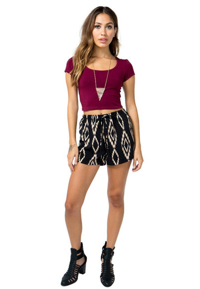 flowy highwaisted pants black and white printed shorts highwaisted silky patteren